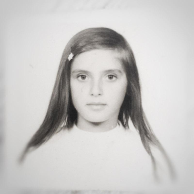 Julie Smeros Artist Portrait