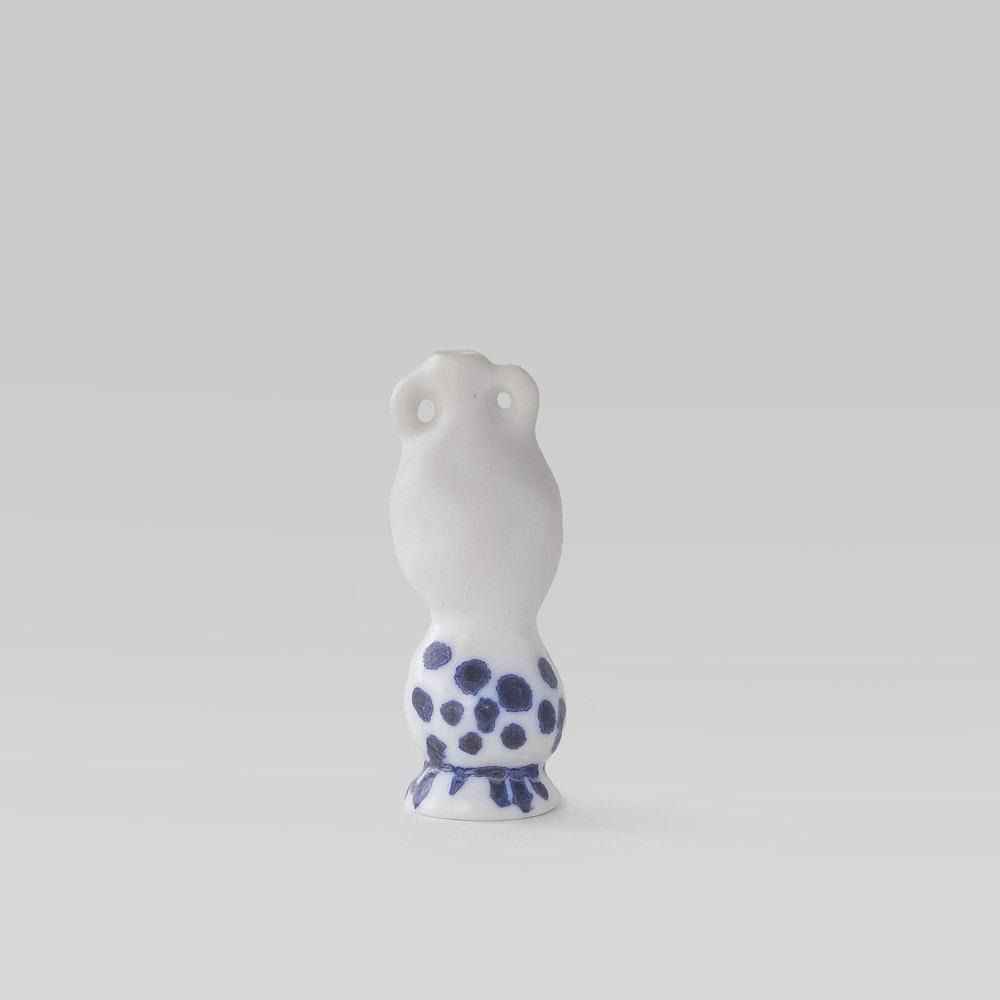 Julie Smeros Ceramics - Vase - 2018